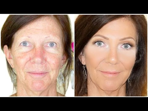 Airbrush makeup on mature skin