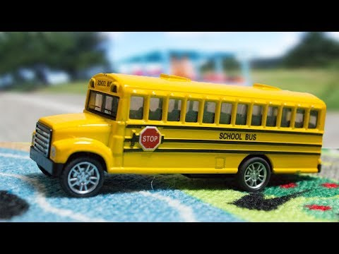 The wheels on the Bus go round and round nursery rhyme - Fun Songs for Children