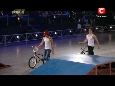 СГУ спецсигналы на велосипеде, стробоскопы, сирена, крякалка - YouTube