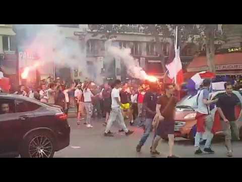 Los franceses toman las calles de París para celebrar la victoria en el Mundial
