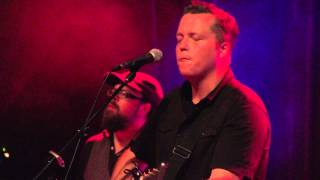 "Jason Isbell & the 400 Unit ""Traveling Alone"" live at The Bluebird in Denver"
