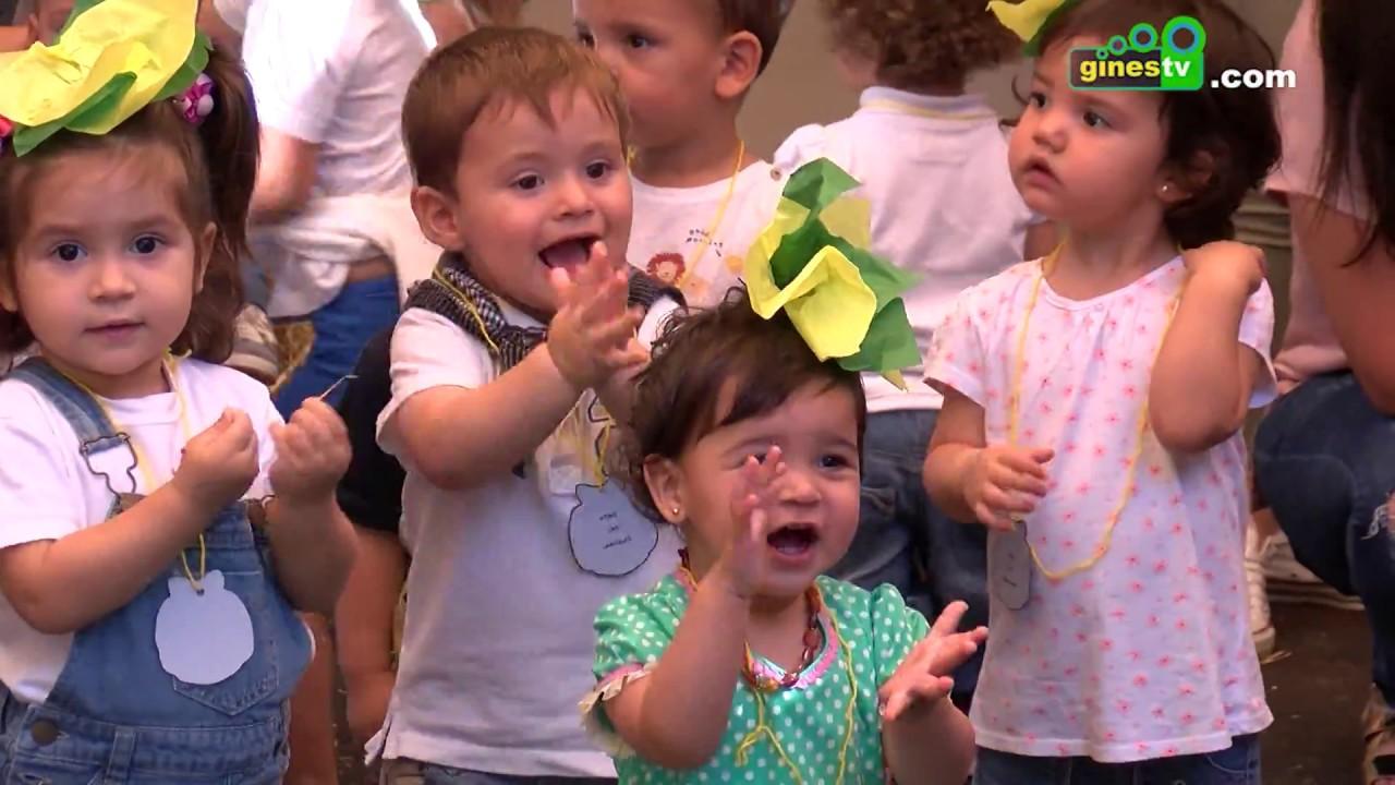 Tamborileros visitan la Escuela Infantil Municipal 'Las Carmelas' de Gines