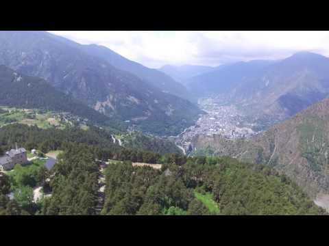 Droneando sobre l'Estany d'Engolasters. (Andorra, 1600 mts) 😜