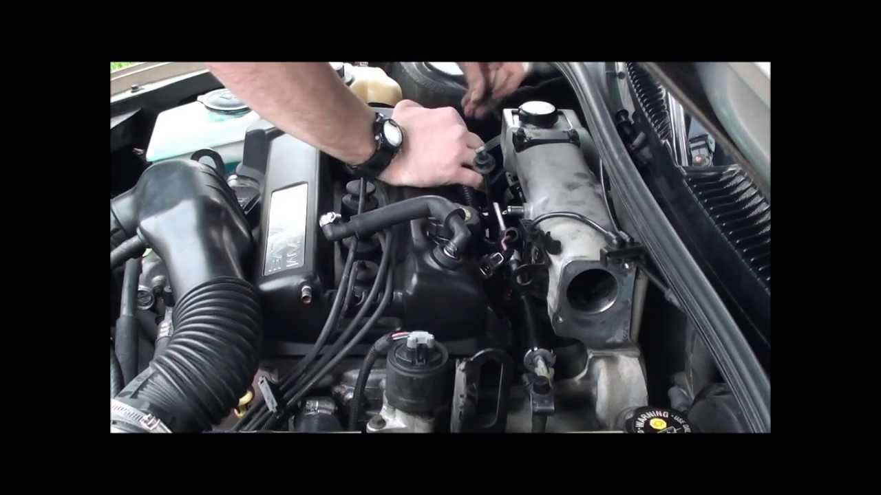 hight resolution of 2nd generation saturn sl2 fuel injector removal