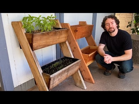 diy-leaning-planter-box---plans-available