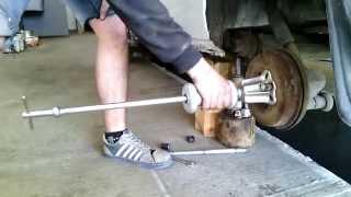 Обратный молоток,снятие тормозного барабана.