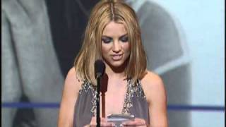 Britney Spears Wins Favorite Pop/Rock New Artist - AMA 2000