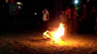 Hıdırellez Kutlaması- Yeşilköy Sahil 5 Mayis 2012 - Ateş üzerinden atlama geleneği