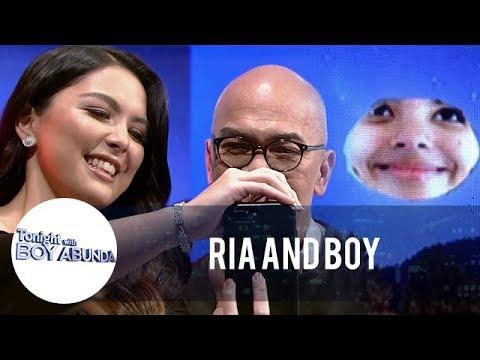 TWBA: Ria teaches Tito Boy how to achieve a moon photo