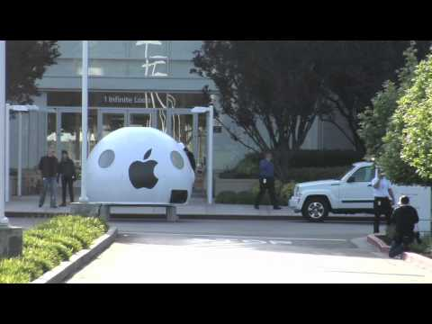 """Greenpeace Activists Barricaded in """"iPod"""" at Apple HQ in Cupertino"""