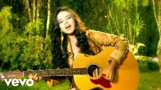 Смотреть клип Paula Fernandes - Chuva Chover
