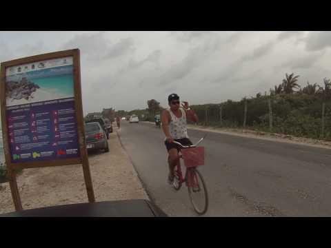 Tulum Quintana Roo. Un paseo en bici por la costera.