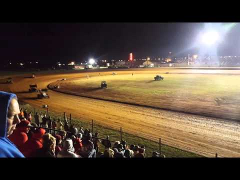 Lawton Speedway 4.9.16 OCRS Heat 4