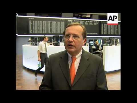 Euro at low point against US dollar over Greece debt crisis; Rehn sbite, tourists