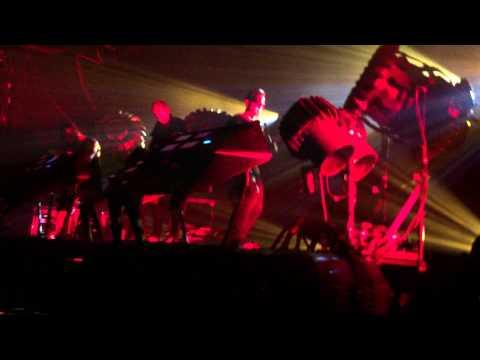 The Glitch Mob - Drive it Like you Stole it (live)