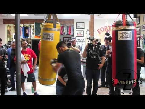 Featherweight OSCAR VALDEZ a BEAST in TRAINING - Z-BoxingNews