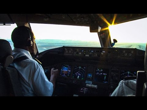 Piloting the Boeing 777-200LR out of DUBAI