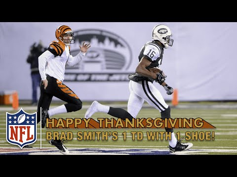 Brad Smith Runs Out of His Shoes on Kick Return TD! (2010) | NFL on Thanksgiving