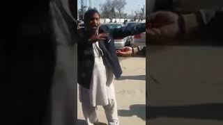 ANGRY LAWYER ABUSING & INSULTING IMRAN KHAN CM KPK PARVEZ KHATTAK PTI