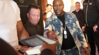 'I CAN'T SIGN THAT, IT'S FULL OF LIES!' - THE MOMENT FLOYD MAYWEATHER REFUSED TO SIGN A BOOK