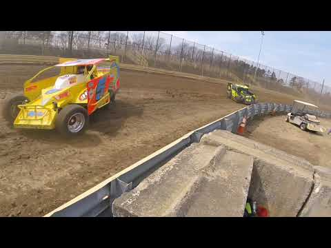 Modifieds practice at New Egypt Speedway