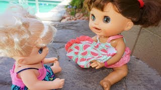 BABY ALIVE Pumpkin Swims & Gives Amanda Her Swimsuit!