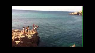 Cliff Jumping in Bendinat Mallorca with the kids