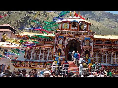 Badrinath temple view