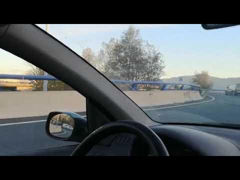 Vehículo conduciendo en dirección contraria en Torrelavega