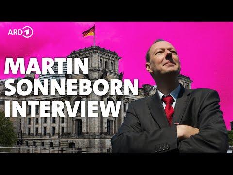 Martin Sonneborn (DIE PARTEI) im Interview - KLIPP & KLAR - RBB