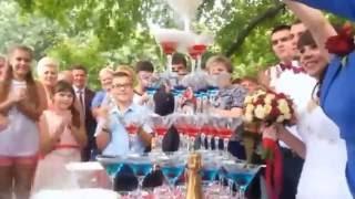 Пирамида, каскад и горка из шампанского 2016