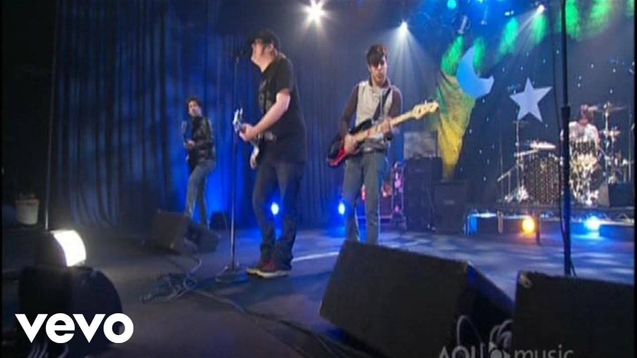 Fall Out Boy - Sugar, We're Goin Down (AOL Sessions) 2007