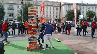 Поцелуй на площади Советов