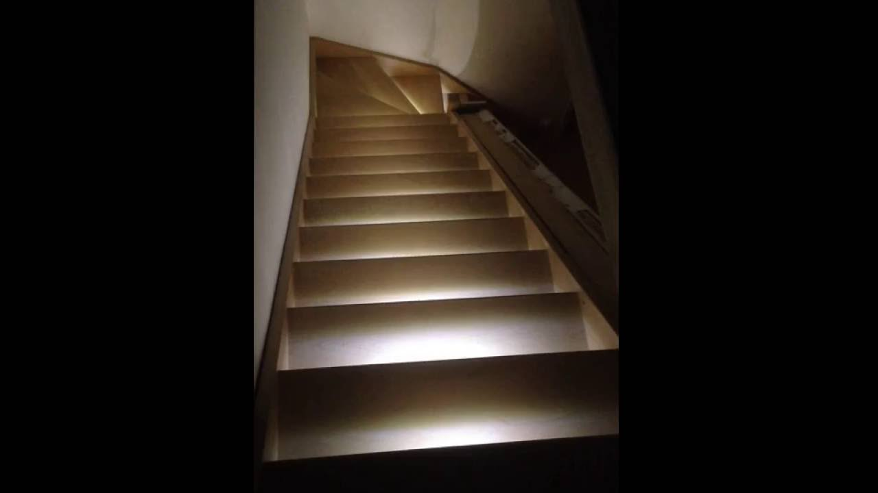 Eclairage D Escalier Automatique Led Youtube