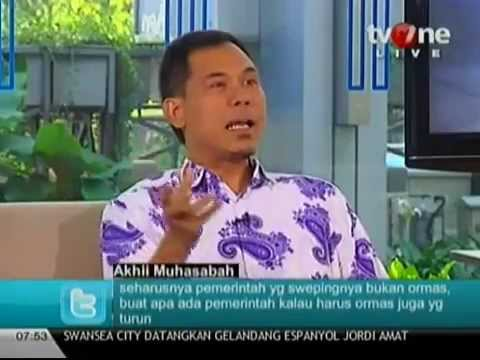 Munarman Jubir Fpi Siram Air Ke Muka Tamrin Tomagola Di Tv One Youtube