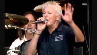 Guided By Voices - I Am A Scientist/Unleashed! The Large-Hearted Boy/Smothered In Hugs - Oslo 2011