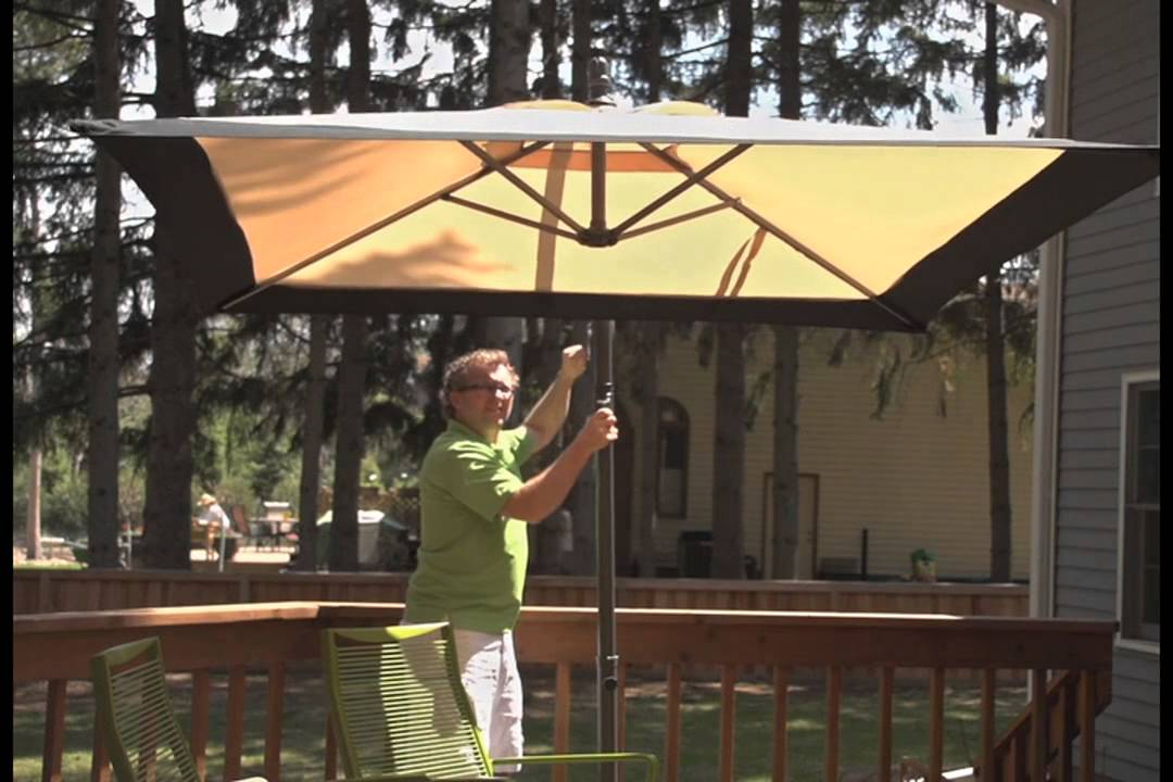 CASTLECREEK™ Square Cantilever Patio Umbrella