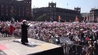 Intervención de Elena Poniatowska en Zócalo. 26 de octubre de 2014
