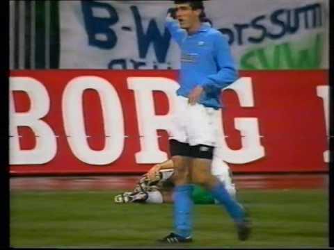 06/12/1989 Weder Bremen v Napoli
