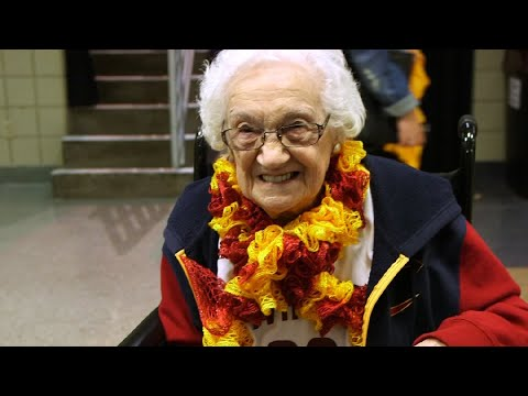 93-year-old Cavs fan Nancy Bontempo excited for her first playoffs game at The Q (video)