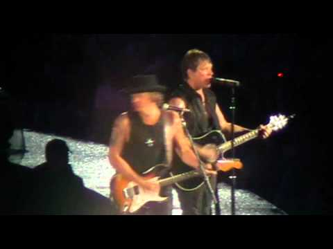 BON JOVI - I'll Be There For You -  LIVE Udine (Italy) 17/07/2011