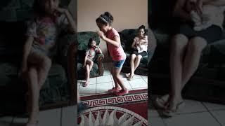 mirra táncol 11 eves kislány