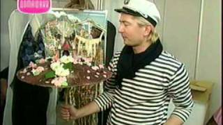Елочная игрушка из карамели, Бисквитный торт с маком(Видео-рецепты от Александра Селезнева: Елочная игрушка из карамели, Бисквитный торт с маком и малиной. Сюже..., 2011-01-20T08:15:12.000Z)