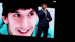 На встрече с Саидой Аппаковой с жителями Лаишева. Поет Ильяс Халиков