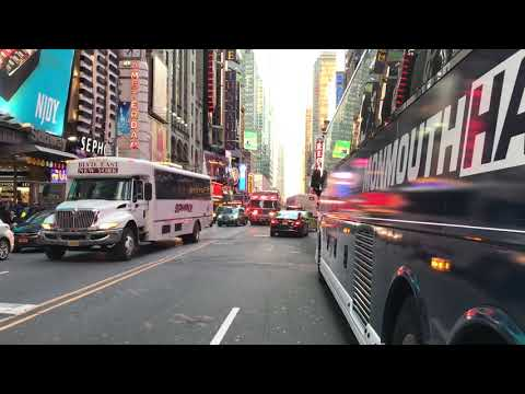 THE MAJESTIC BEAST, FDNY RESCUE 1, RESPONDING LIKE THE GODAMN BOSS THAT IT IS IN NEW YORK CITY.