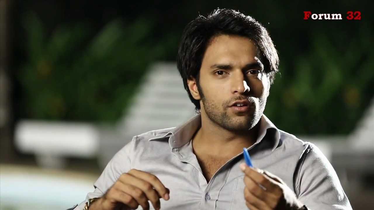 Shaleen Malhotra reveals Arjun's pen trick | Screen ... Shaleen Malhotra And Sheetal Shah