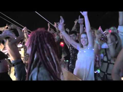 Jack U playing Ease My Mind (Jai Wolf Remix) @ Burning Man