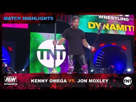 Kenny Omega surprises Jon Moxley with barbed wire weapons at AEW Dynamite