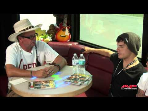 @lennonbus: AP Cover Stars Live Chat #2 From Warped Tour