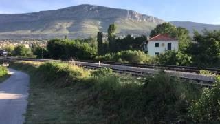 30 05 2015 06 55 brzi vlak 1823 zagreb split prelazi rijeku jadro u solinu
